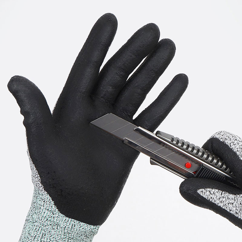 expansion-using-cut-resistant-gloves-in-government-corporations-industrial-market